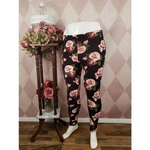 🆕️ Rue 21 | Pink Rose Leggings